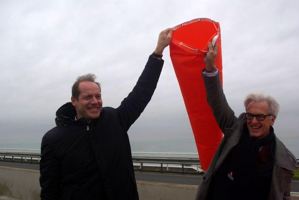 Tourdirecteur Christian Prudhomme en de Zeeuwse gedeputeerde Ben de Reu: