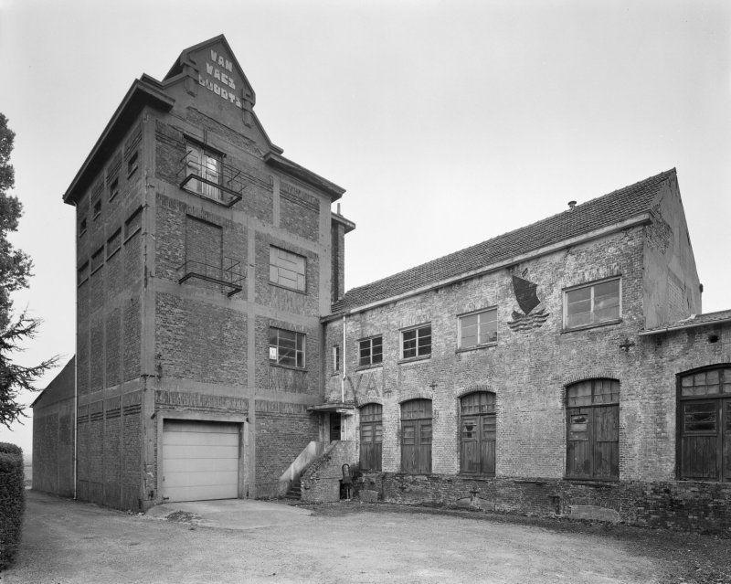 De gebouwen in 2002. (Beeldbank Rijksdienst voor het Cultureel Erfgoed, foto J.P. de Koning)