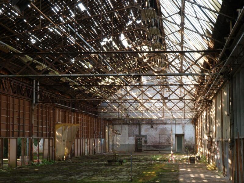 Het oude fabrieksgebouw werd al langer niet meer gebruikt. Deze foto dateert uit 2008. (Zeeuwse Bibliotheek, Beeldbank Zeeland, foto W. Helm)
