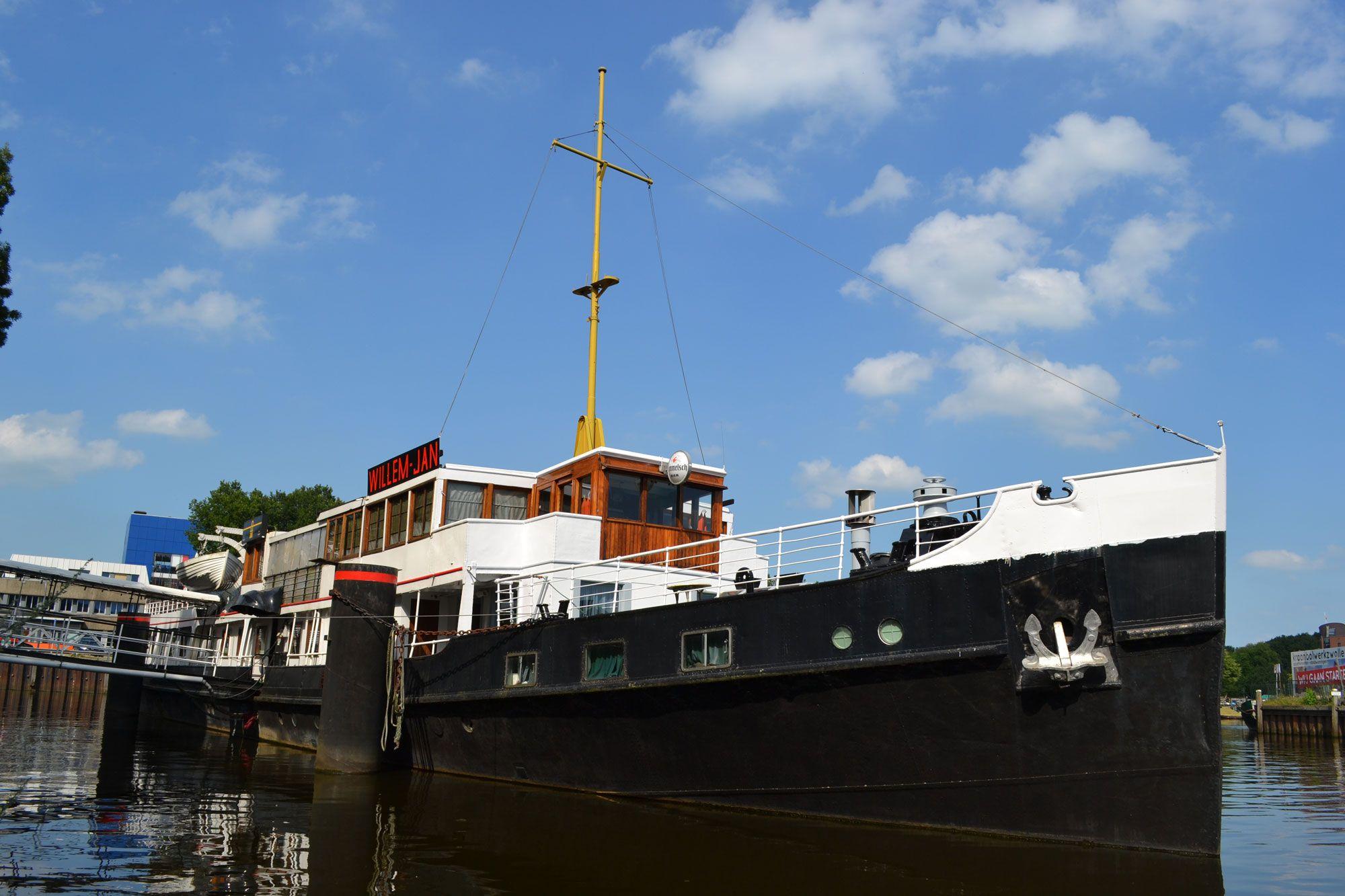 De voormalige Oosterschelde uit 1933 is nog vrij authentiek. (Beeldbank SCEZ)