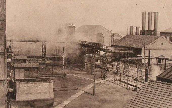 De cokesfabriek op een prentbriefkaart omstreeks 1930. (Zeeuwse Bibliotheek, Beeldbank Zeeland)