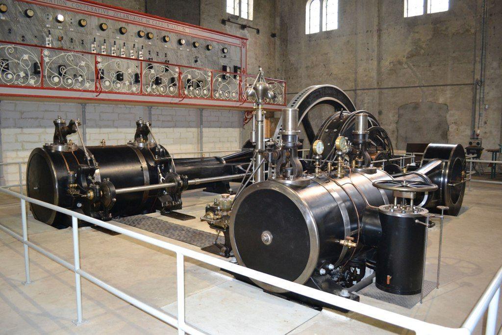 De stoomgenerator met bedieningspaneel in het Industrieel Museum Zeeland. (Beeldbank SCEZ)