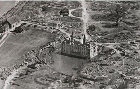 Kasteel ter Hooge, na de drooglegging in 1946.