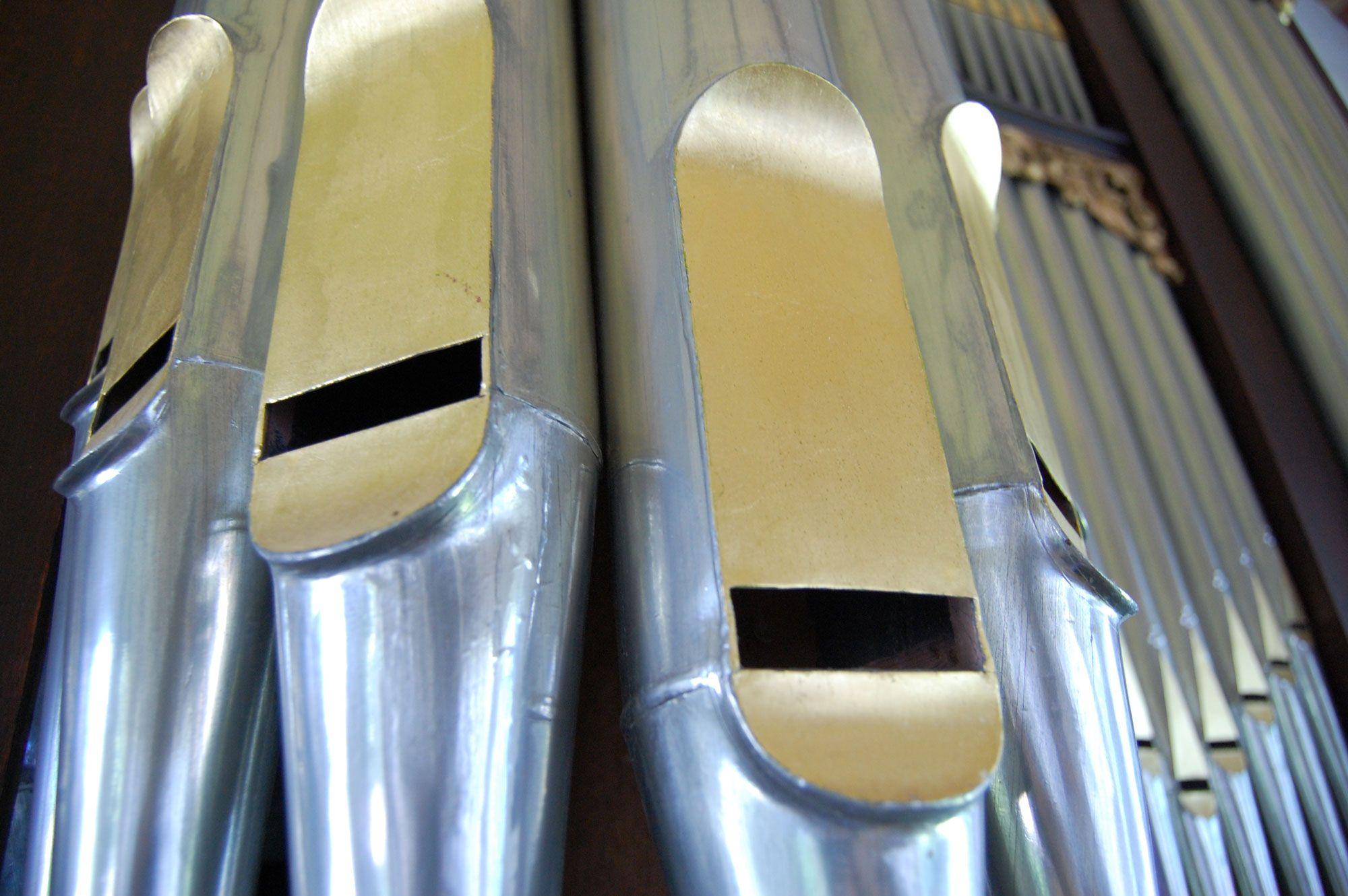 Detail van enkele orgelpijpen van het Moreau-orgel. (Beeldbank SCEZ)