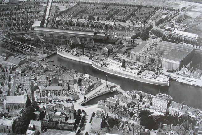 De Dokhaven in 1924. (Gemeentearchief Vlissingen)