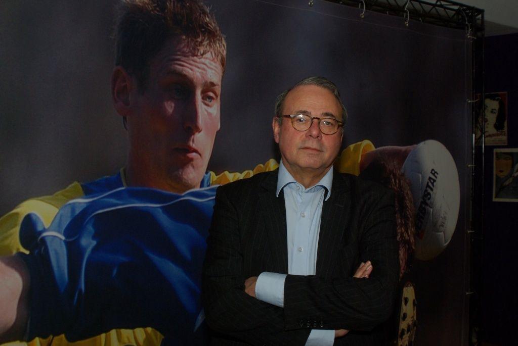 Sportjournalist Peter de Jonge volgde de Tour jarenlang op de voet. (foto Arnold Parre)