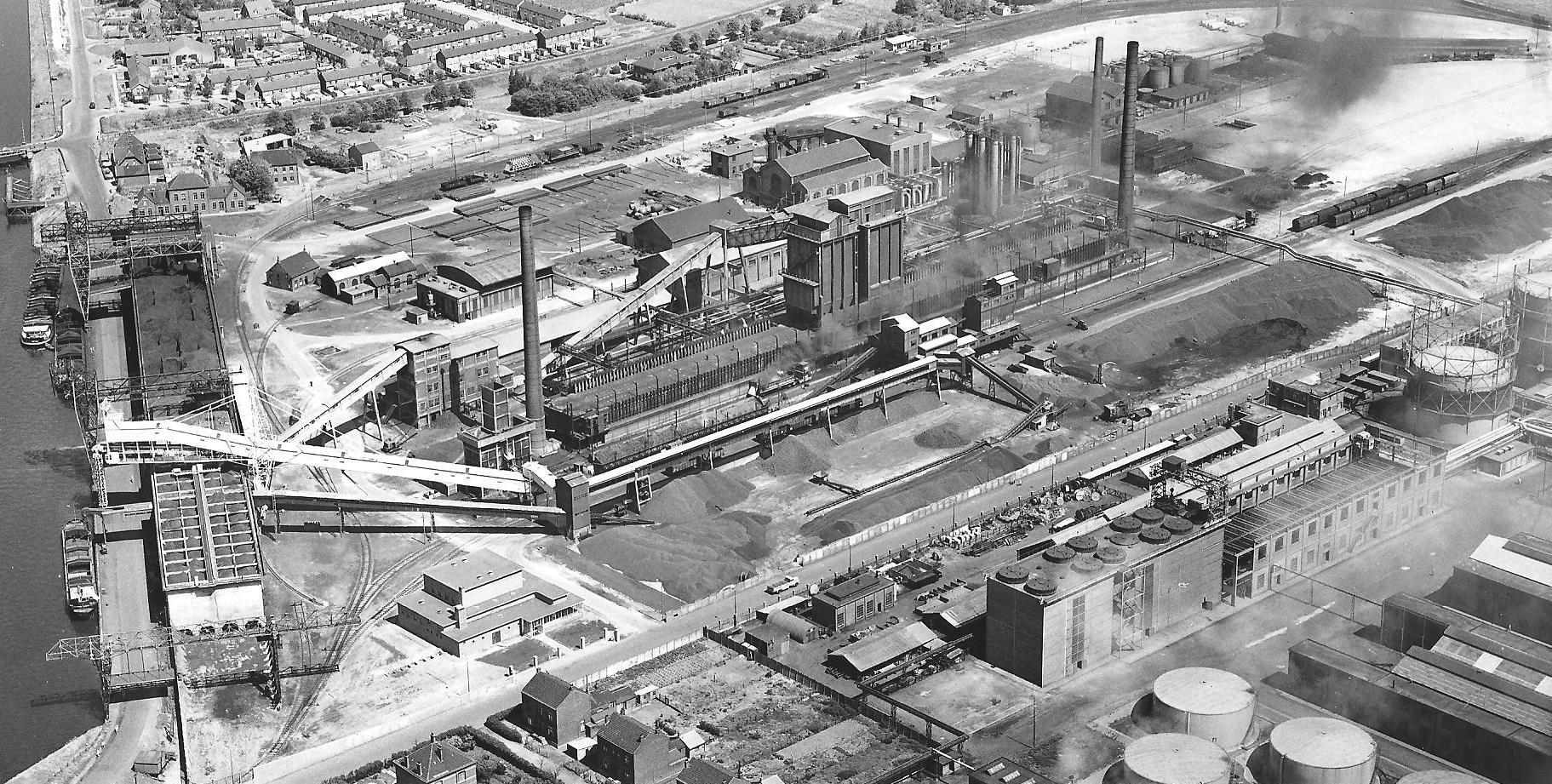 De cokesfabriek in 1964. (Zeeuws Archief, archief Cokesfabriek ACZC)