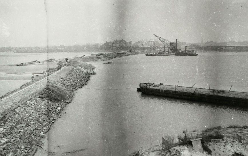 Dichten van de dijken bij Vrouwenpolder. (Zeeuws Archief, Historisch-Topografische Atlas Middelburg)