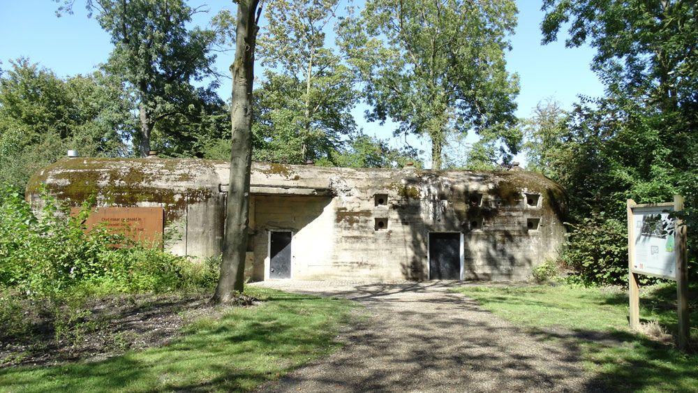 De communicatiebunker in het park is ingericht als museumbunker. (Foto Gemeente Middelburg)