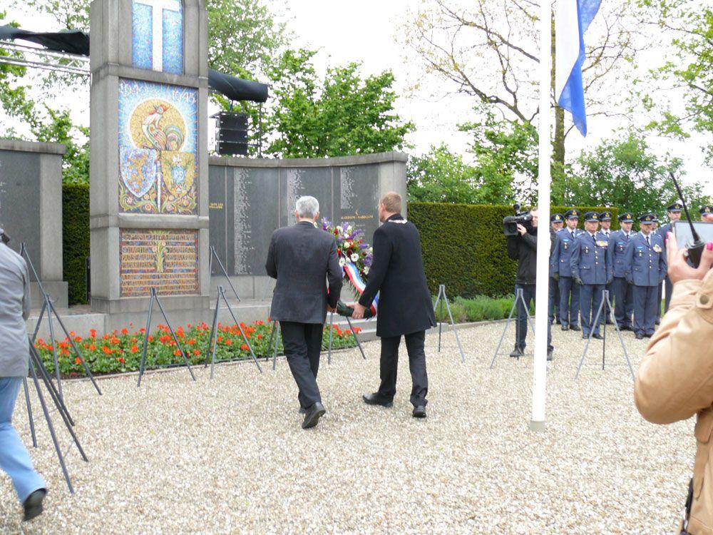 De jaarlijkse herdenking in Kapelle in 2012. (Foto Gemeente Kapelle)