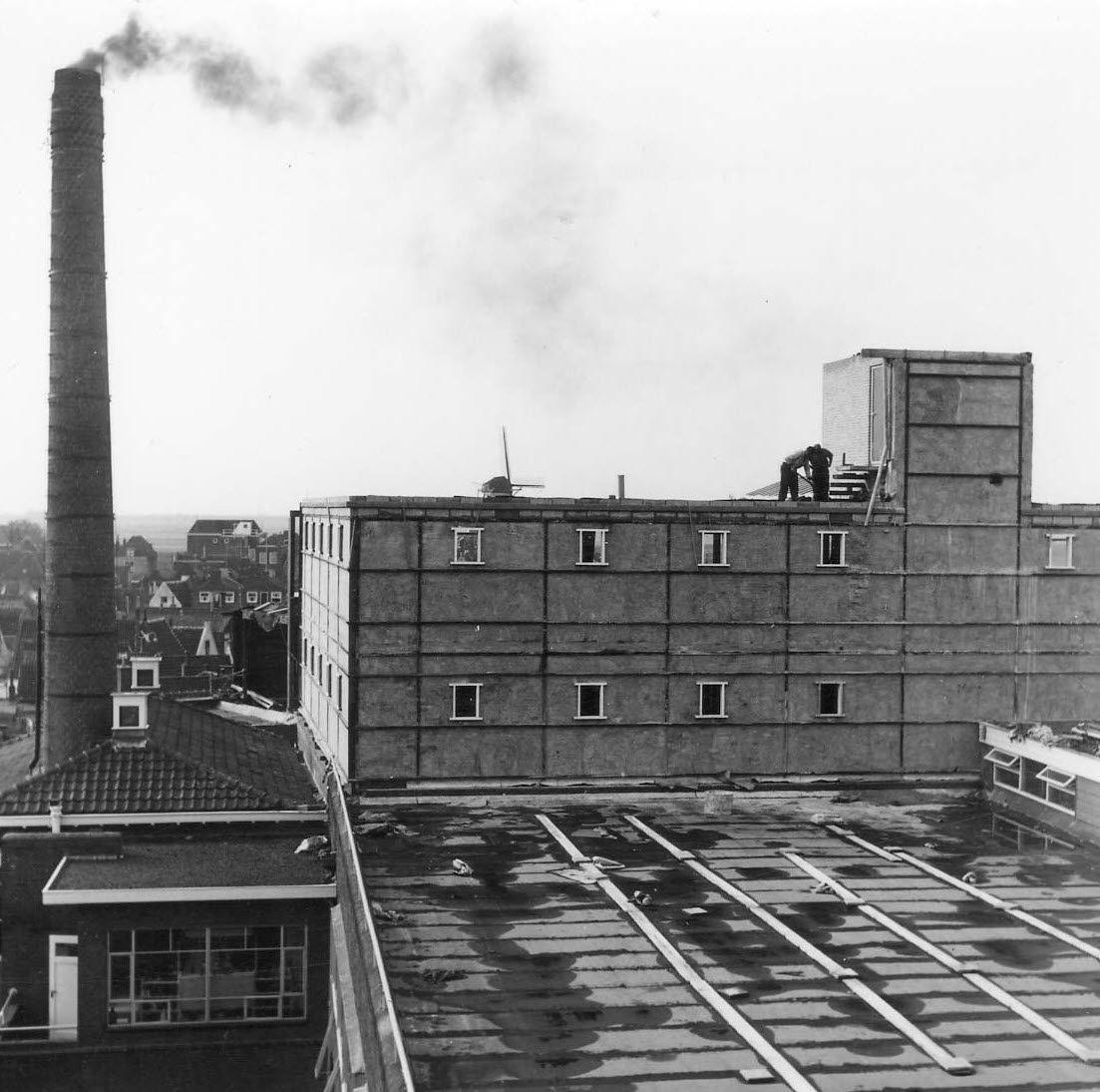 Fabrieksgebouwen aan de Fonteine omstreeks 1965. (Gemeentearchief Schouwen-Duiveland)