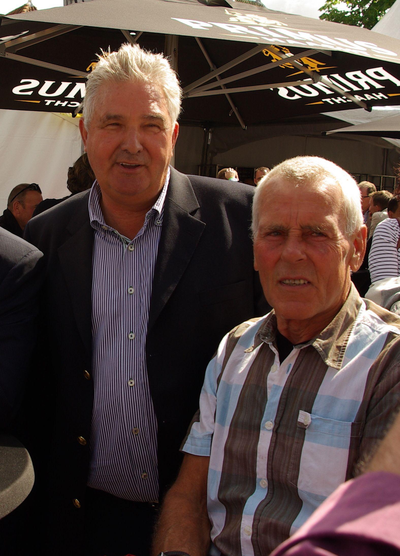 Twee Zeeuwse Bordeaux-winnaars. Links Cees Priem, rechts Jo de Roo. (foto Arnold Parre)