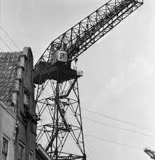 De torenkranen domineerden de historische binnenstad van Vlissingen. (Zeeuwse Bibliotheek, Beeldbank Zeeland, foto C. de Boer)