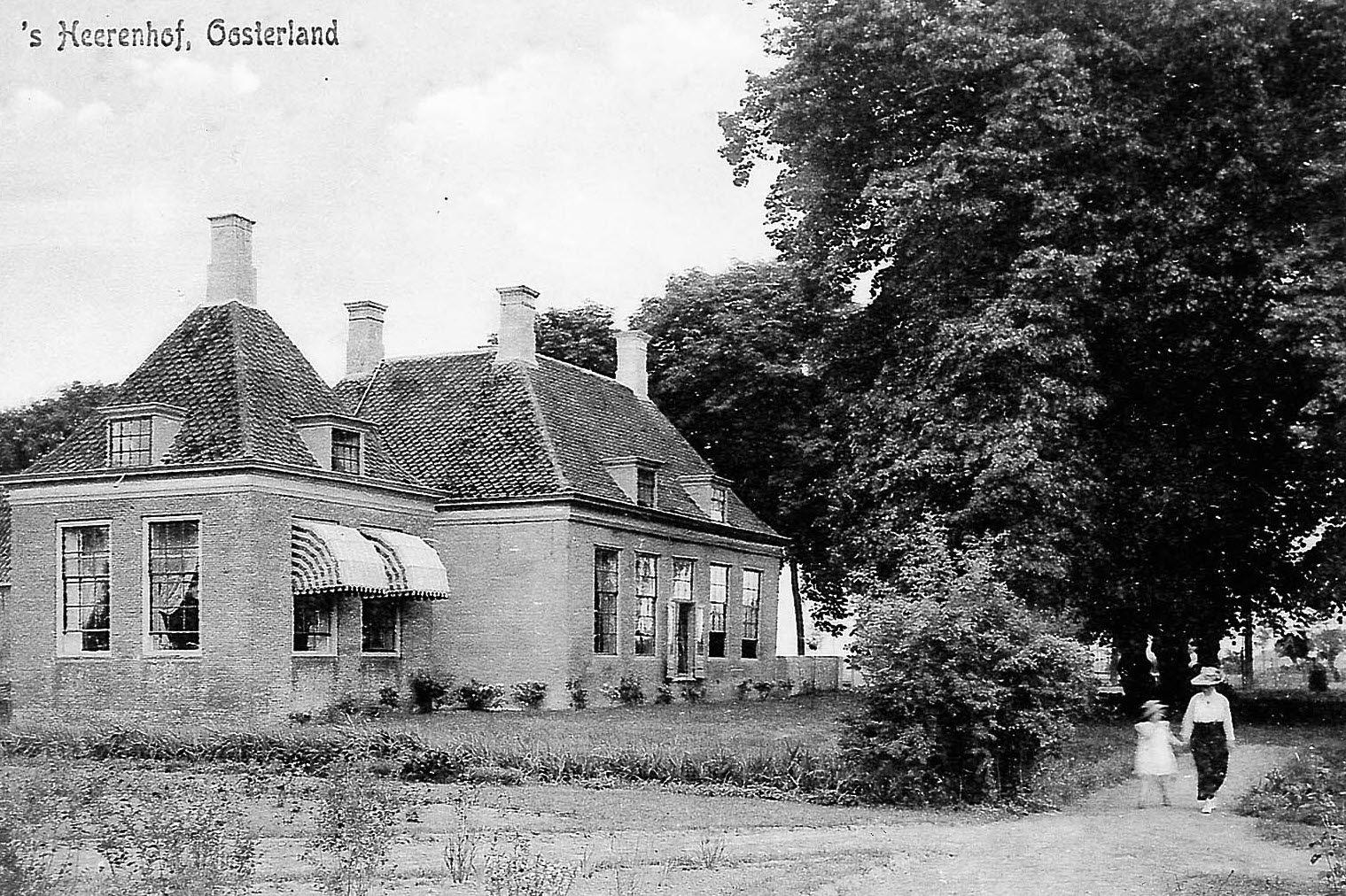Heerenhof in Oosterland, omstreeks 1925. Prentbriefkaart. (Beeldbank Gemeentearchief Schouwen-Duiveland)