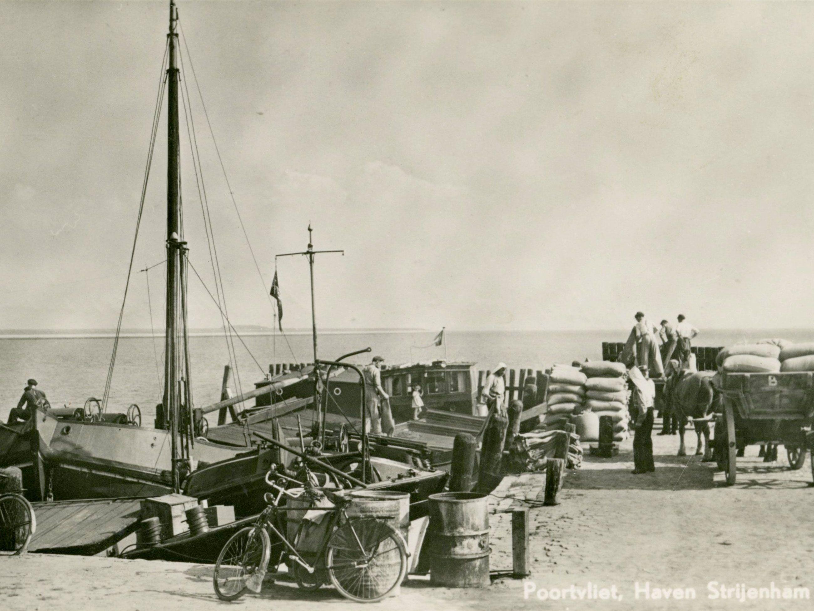 De haven van Strijenham, circa 1940 (Gemeentearchief Tholen)