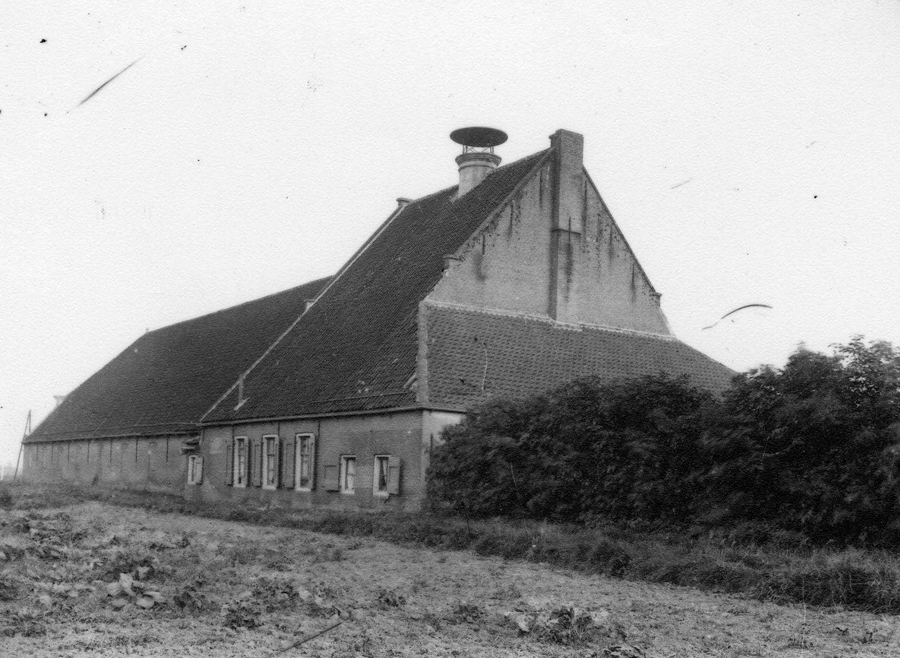 Meestoof De Kapel omstreeks 1905. (Beeldbank Gemeentearchief Schouwen-Duiveland, foto P.C. van Immerzeel)