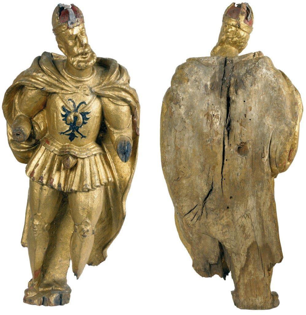 Beeld Karel V, voor- en achterzijde. Historisch Museum de Bevelanden Goes; datering: circa 1550; herkomst: Stedelijke Collectie Goes. (foto Ivo Wennekes)