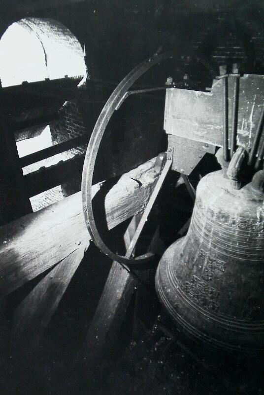 De Suzanne uit Noirmoutier in de toren. Foto uit 1966. (Zeeuwse Bibliotheek, Beeldbank Zeeland)