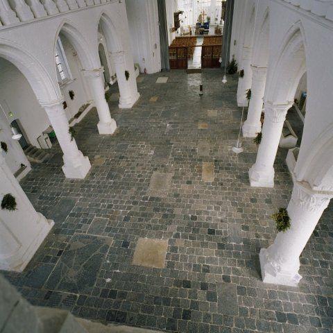 Interieur Sint-Baafskerk. (Beeldbank Rijksdienst voor het Cultureel Erfgoed, foto C.S. Booms)