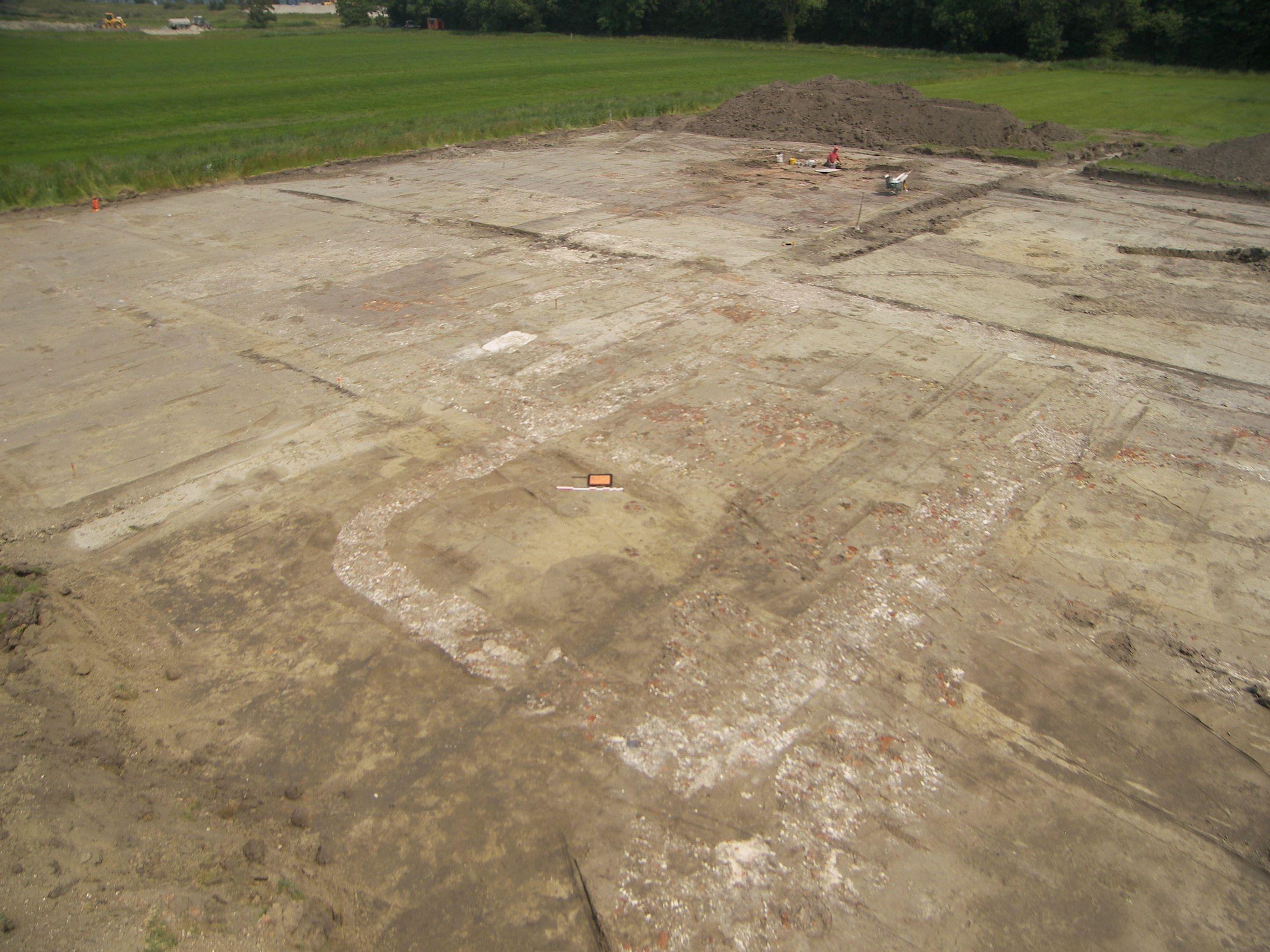 Uitbraaksporen van het Hof Ramsburg tijdens de opgraving. (Foto WAD)