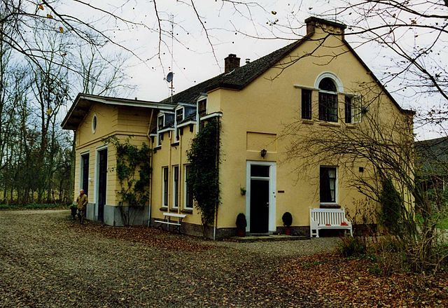 Koetshuis op Overduin. (foto Peter van der Wielen)