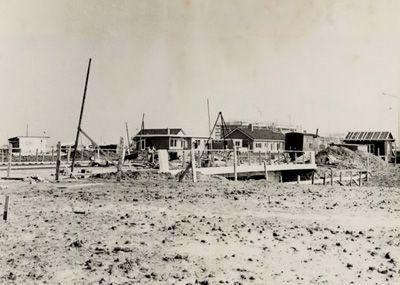 In 1962 startte de bouw van de nieuwe wijk Paauwenburg waar in de eerste fase 1.800 woningen waren gepland. (Gemeentearchief Vlissingen, Beeldcollectie)