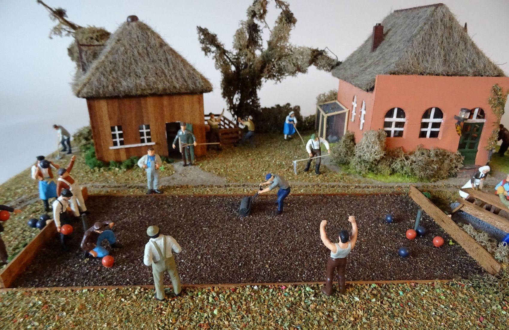 Maquette van het krulbolspel, vervaardigd door P. Lindhout.
