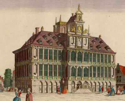 Het in 1594 gebouwde stadhuis van Vlissingen aan de Grote Markt, cira 1740. Het gebouw werd tijdens het Engelse bombardement van 1809 verwoest. (Gemeentearchief Vlissingen, Historisch Topografische Atlas)