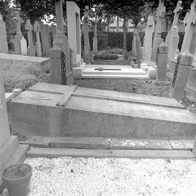 Begraafplaats in Axel. Foto uit 1964. (ZB, Beeldbank Zeeland)