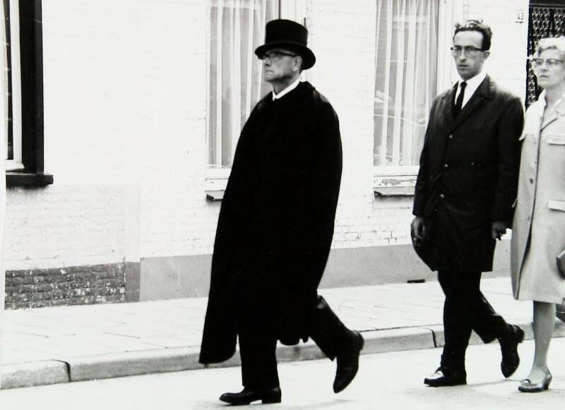 Doodbidder in Axel, 1965. (ZB, Beeldbank Zeeland, foto T. Kannegieter)