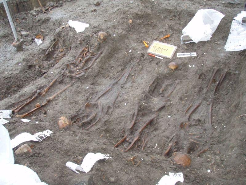 Intensieve begravingen bij de Engelse Kerk (Foto: WAD)