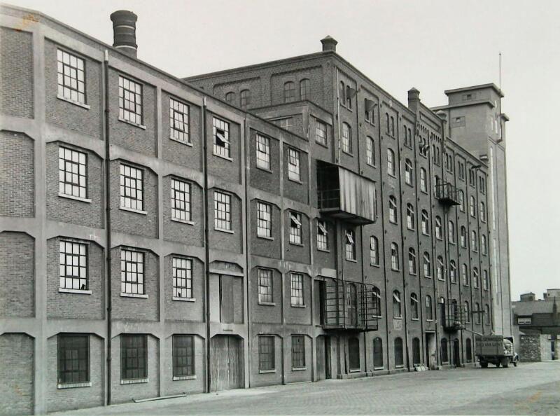 Walzenmolen omstreeks 1950. (ZB, Beeldbank Zeeland)
