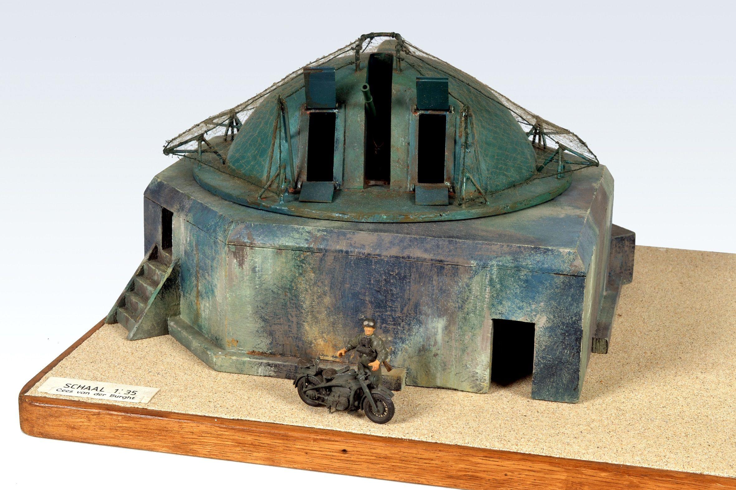 Maquette bunker. (Collectie Cees van der Burght, Zeeuws maritiem muZEEum)