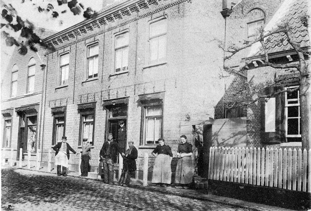 Hotel Hoeksch Koffiehuis rond 1905. (Particuliere collectie)