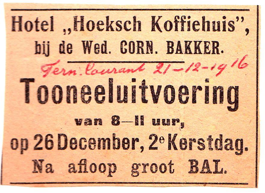 Aankondiging van een toneeluitvoering en bal in het Hoeksch Koffiehuis. (Particuliere collectie)