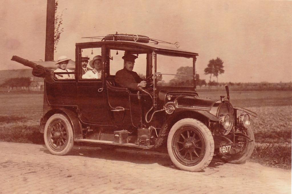 De eerste auto in Hoek: K-607 op naam van de gebroeders Kaan. (Particuliere collectie)
