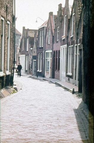 Lange Sint Janstraat omstreeks 1975. (Beeldbank Gemeentearchief Schouwen-Duiveland)