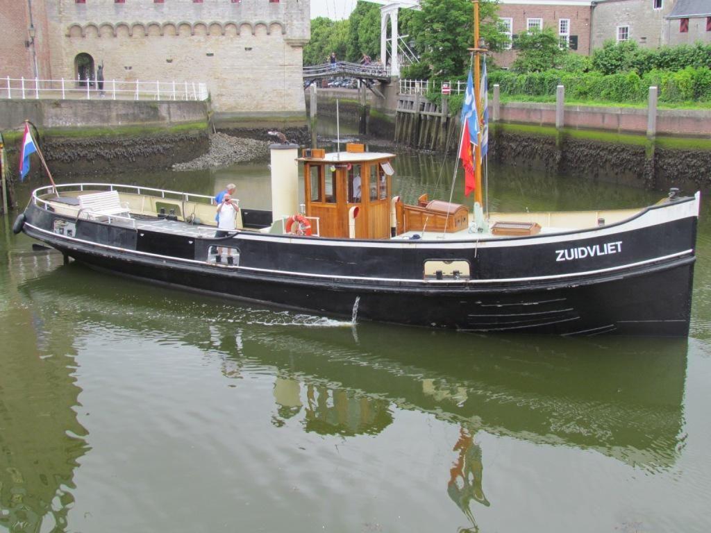 De Zuidvliet is nu een museumschip en ligt in Zierikzee. (Foto Google)
