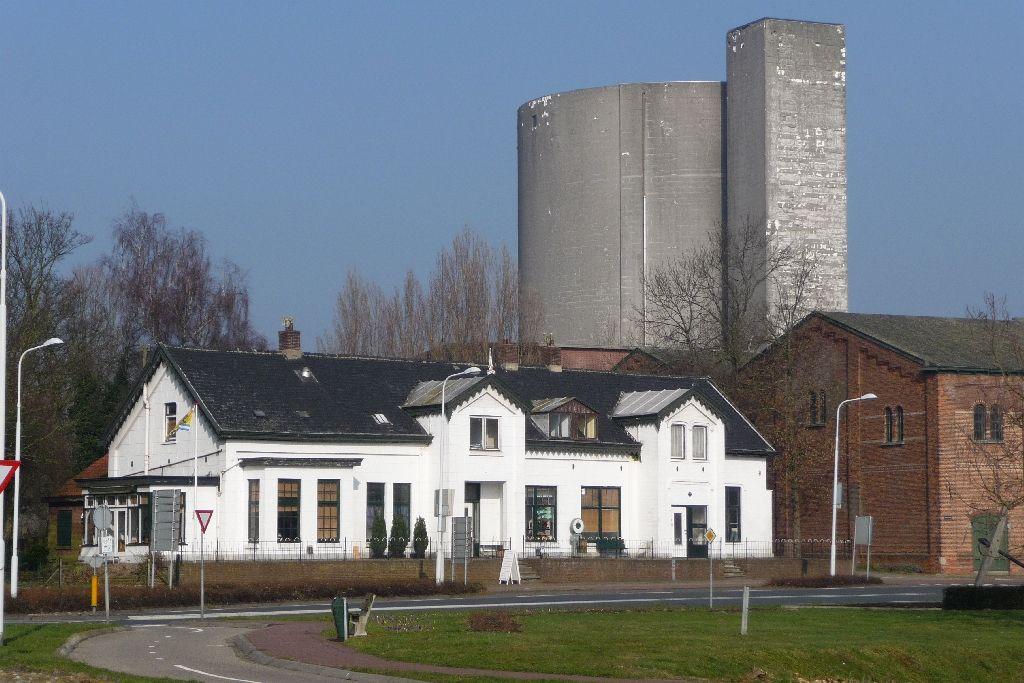 De Witte Villa vóór de verbouwing tot restaurant. (foto sas4550)