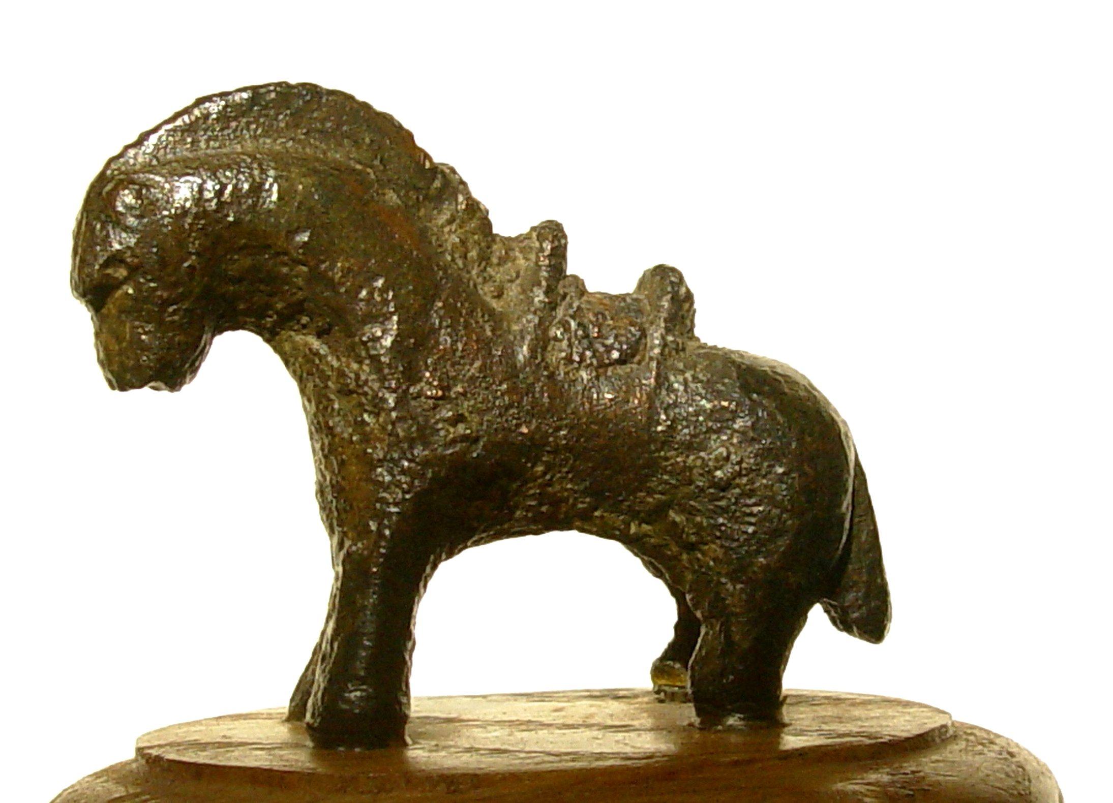 Bronzen paardje uit Sluis, lengte 5,5 cm (foto H. Hendrikse).