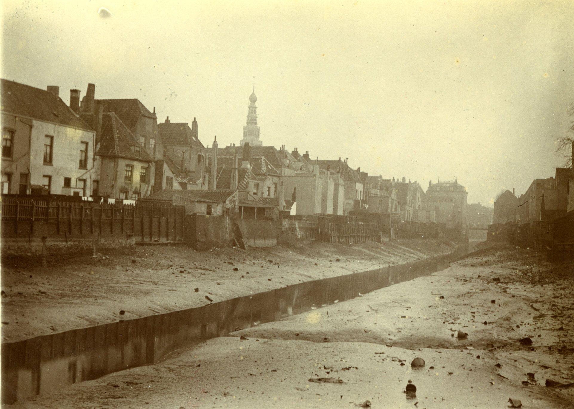 Opname van de Achterhaven circa 1904. (Gemeentearchief Vlissingen)