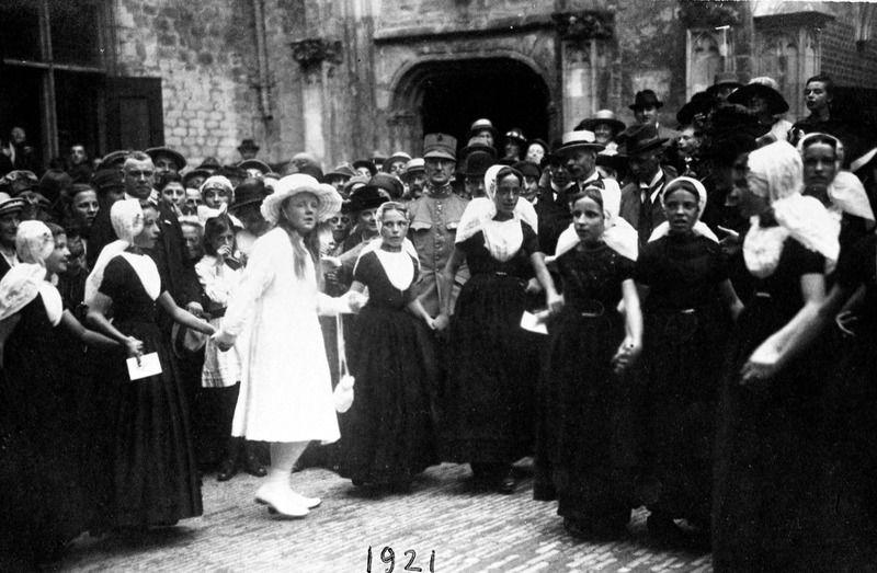 Feestrei met prinses Juliana in 1921. (ZB, Beeldbank Zeeland)